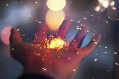 ようせいの粉と手.jpg